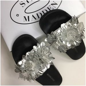 Steve Madden Silver Flower Slide Sandals